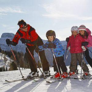 Canazei gehört zu den zehn besten Skigebieten der Welt für Kinder