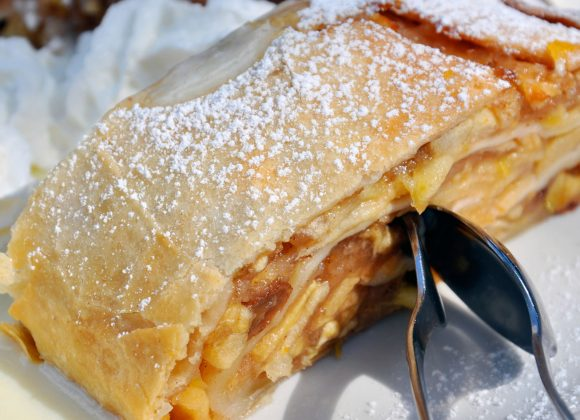 The apple strudel of the Hotel Astoria